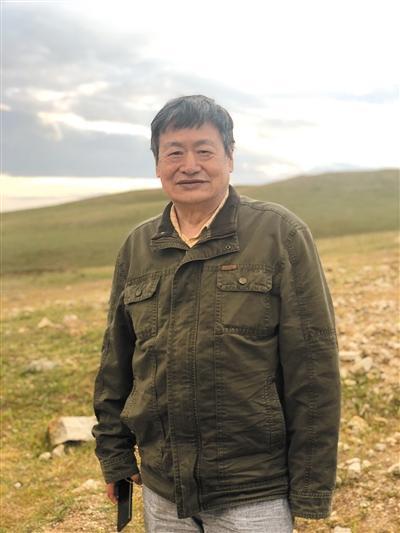 退休检察官喻中升 赴内蒙古治沙11年3000亩沙地变草场